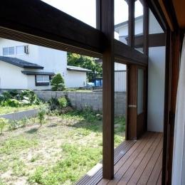 『横手の家』〜自然素材たっぷりの和風住宅〜 (心安らぐ開放的な縁側)