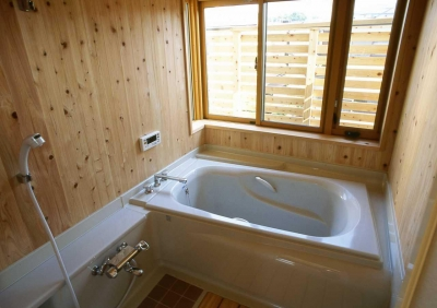 浴室 (シニア世代の木の家)