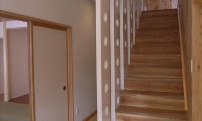 木製階段|『上町の家』〜格子戸で囲まれた温かな住まい〜