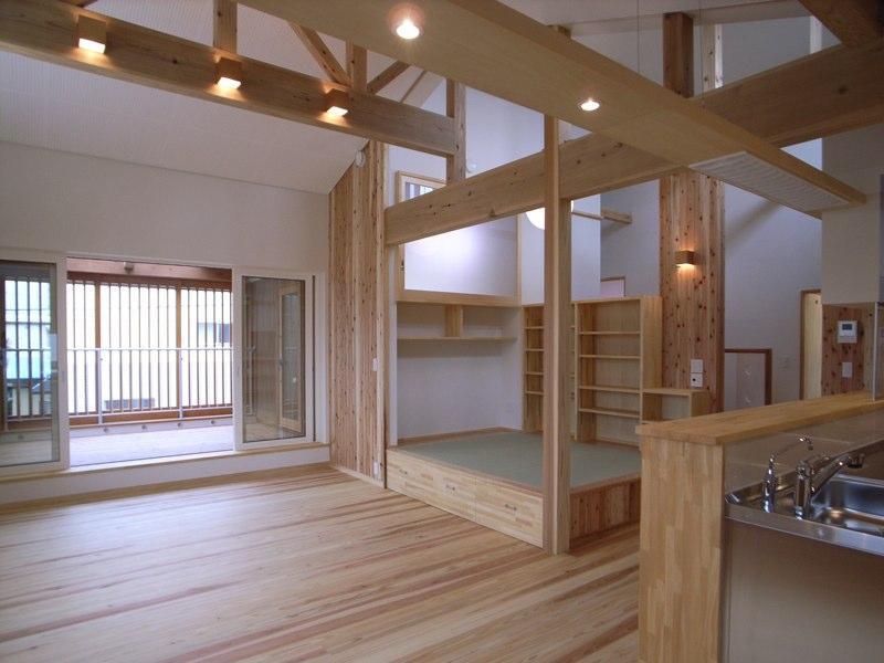 建築家:鳥潟 宏一「『上町の家』〜格子戸で囲まれた温かな住まい〜」