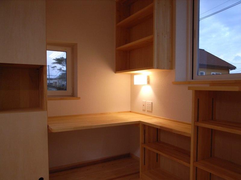 『上町の家』〜格子戸で囲まれた温かな住まい〜の部屋 奥様の家事コーナー