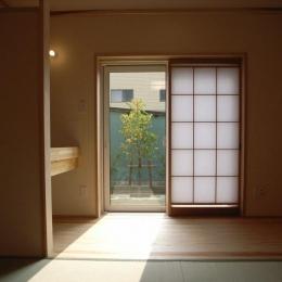 『上町の家』〜格子戸で囲まれた温かな住まい〜 (1階客間の和室)