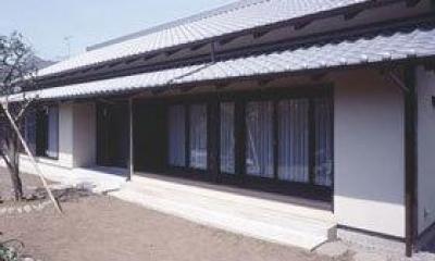 いぶし瓦と土壁色の和風住宅外観-2|『富士宮の家』〜箱階段のある家〜