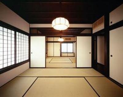 『富士宮の家』〜箱階段のある家〜 (二間続きの和室)