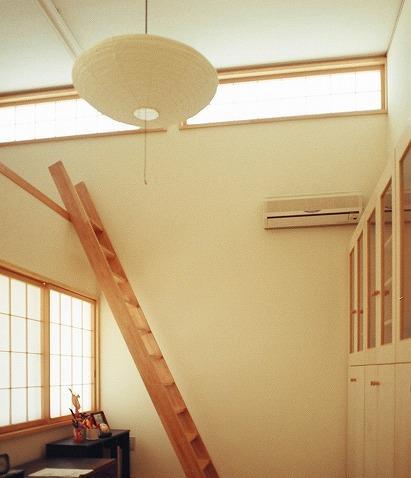 『work/YOH』〜リノベーションで人の集まる住まいへ〜の部屋 和風の明るい書斎
