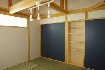 寝室 収納 (二世帯の木の家)