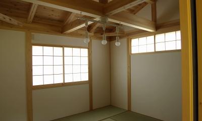 寝室|二世帯の木の家
