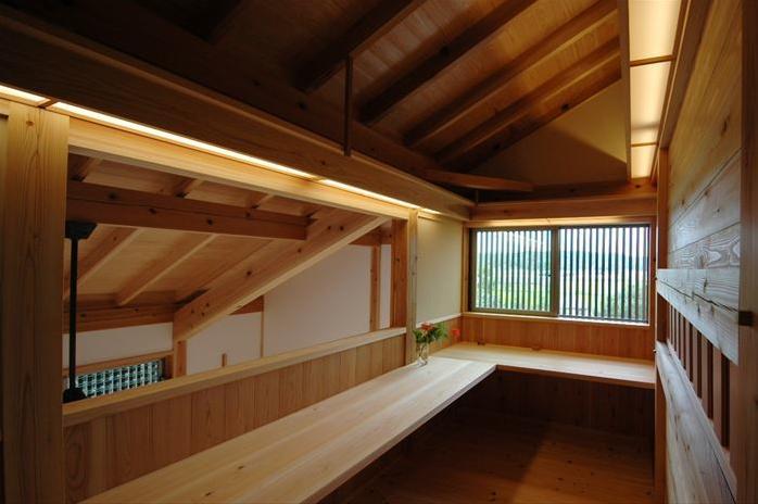 『光陰の家』〜自然素材にこだわった和モダンの家〜の部屋 吹き抜けでつながるワークスペース