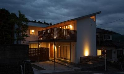 狭小土地に建つ自然素材で造る2世帯住宅