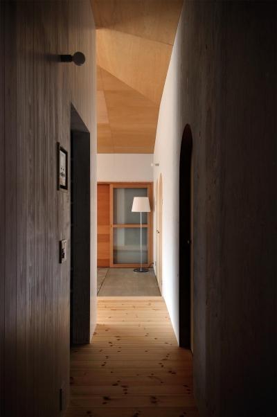 池田町の平屋 (廊下)