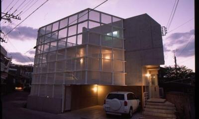 沖縄敵スクリーンハウス (夜景)