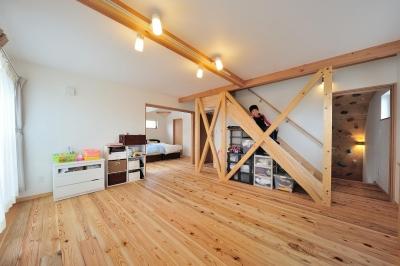 多目的スペース・階段下収納 (『フリークライマーズ ハウス』〜子供が成長できる夢の住まい〜)
