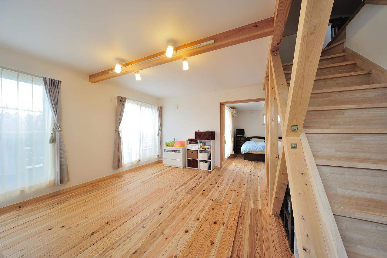 『フリークライマーズ ハウス』〜子供が成長できる夢の住まい〜の部屋 明るい多目的スペース