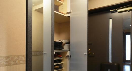 Y邸・自分好みにカスタマイズするマンションリフォームの部屋 玄関収納-open