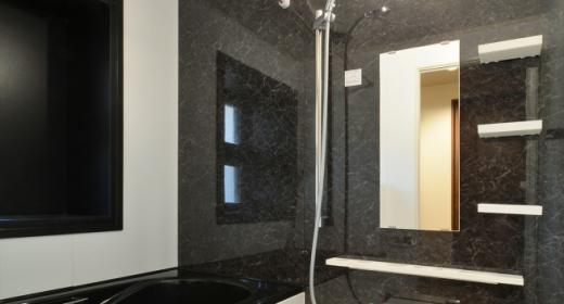 Y邸・自分好みにカスタマイズするマンションリフォームの写真 シックな浴室