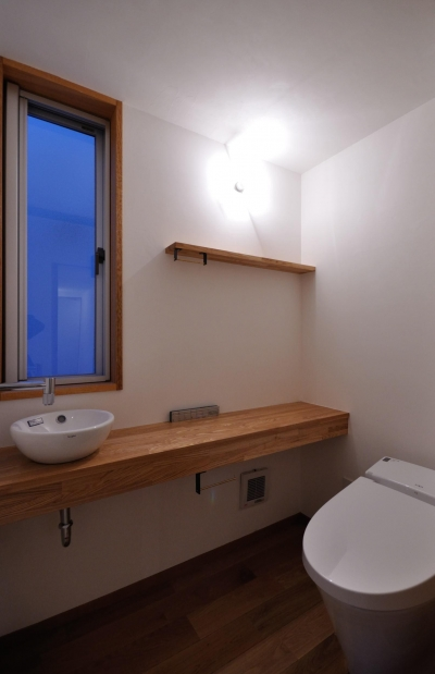 トイレ (本巣のいえ)