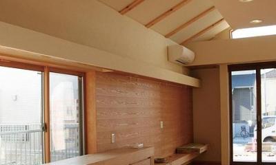 片流れ天井のLD空間|『南加木屋の住宅』〜シルエットの美しい木造2階建住宅〜