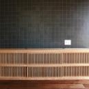 寝室のタイル壁と製作テレビボード