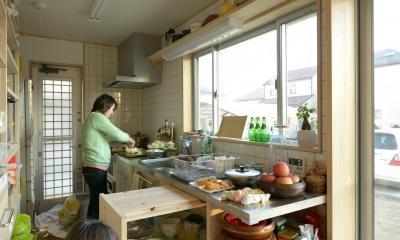 市ノ川の家 大きな堀座卓の家 (オリジナルキッチン)