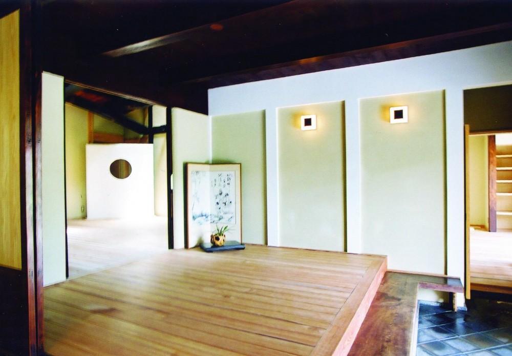 「古民家再生の家」築150年の古民家の再生 (玄関)