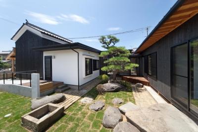 『姫路の家』古民家再生と米蔵の曳家 (明るくなった庭)