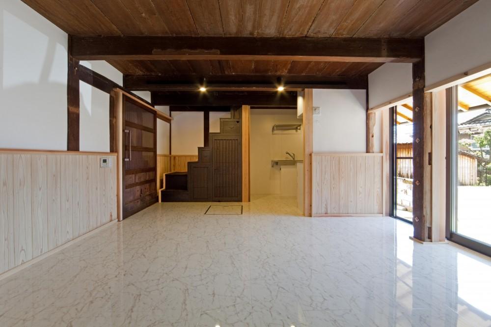 『姫路の家』古民家再生と米蔵の曳家 (ゲストルームに生まれ変わった米蔵)