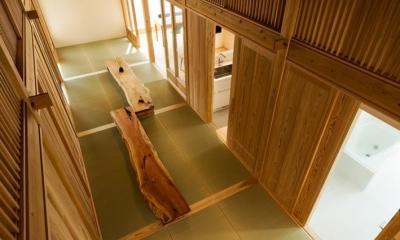 稲荷町の家 〜畳廊下のある家〜 (ロフトより広間をみる)