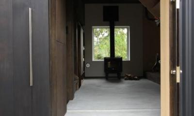薪ストーブ・ピクチャーウィンドウを見る|『HDFの家』〜雑木林と語らう家〜