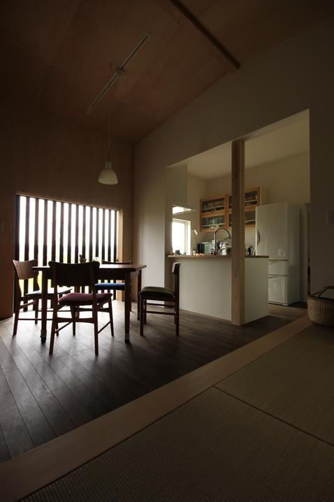 『HDFの家』〜雑木林と語らう家〜の部屋 落ち着くLDK空間