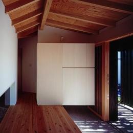 シンプルな玄関収納の箱