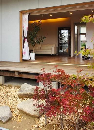 『Danti House』〜光の集まる住まい〜 (フルオープンテラスと庭)