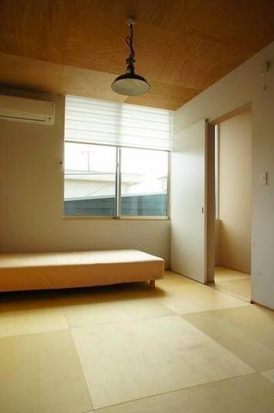 和室のベッドルーム (『Danti House』〜光の集まる住まい〜)
