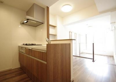 キッチン (細部までこだわったデザインで上質感を演出)