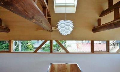 『T-House』〜古材の良さを取り入れた耐震補強リノベ〜 (階段上部の北欧照明)