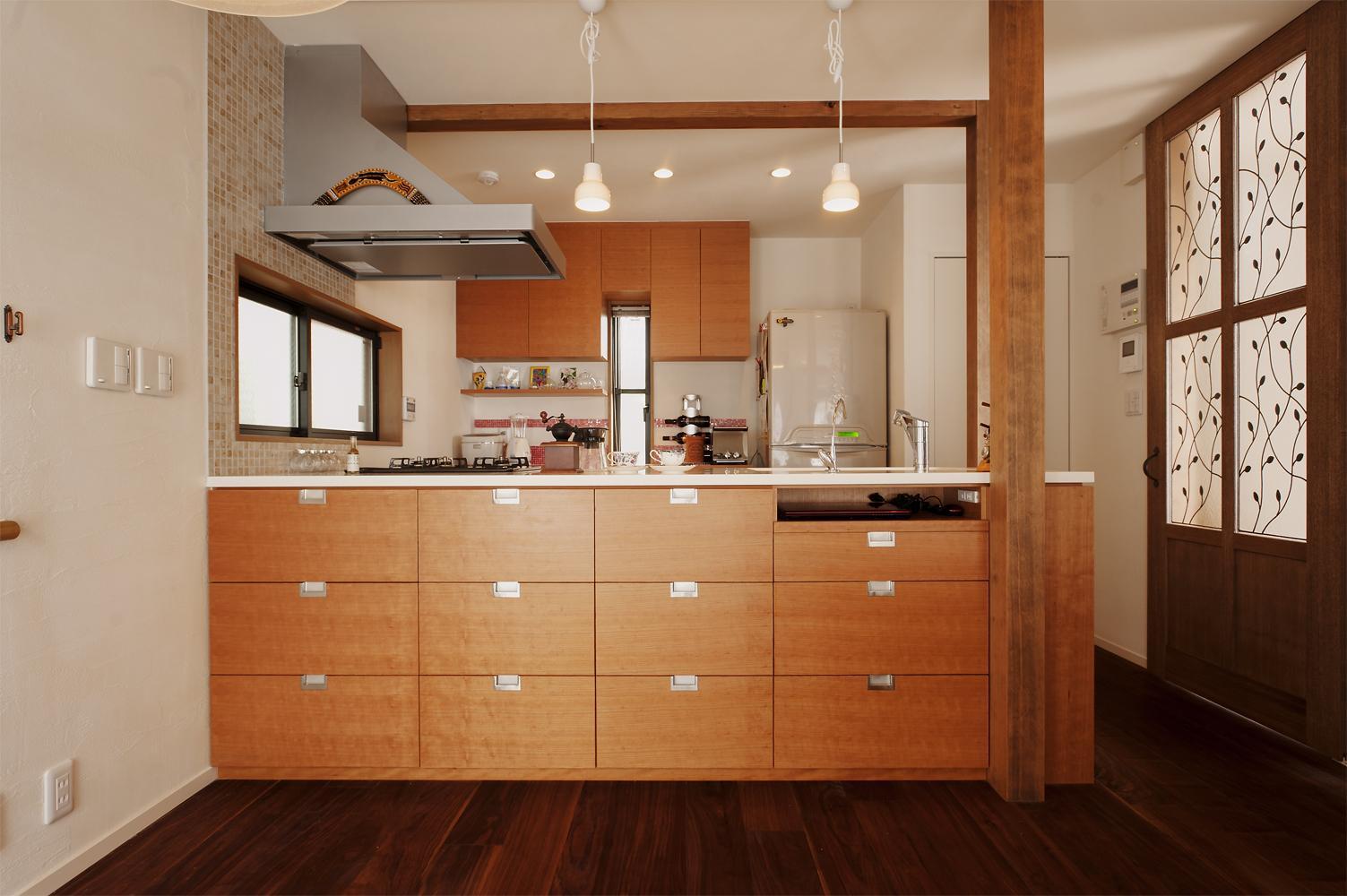 S邸・家族の笑顔がつながるオープンキッチンの部屋 オリジナルのオープンキッチン