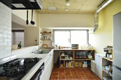 対面式キッチン (K邸・ビンテージマンションを自分色に)