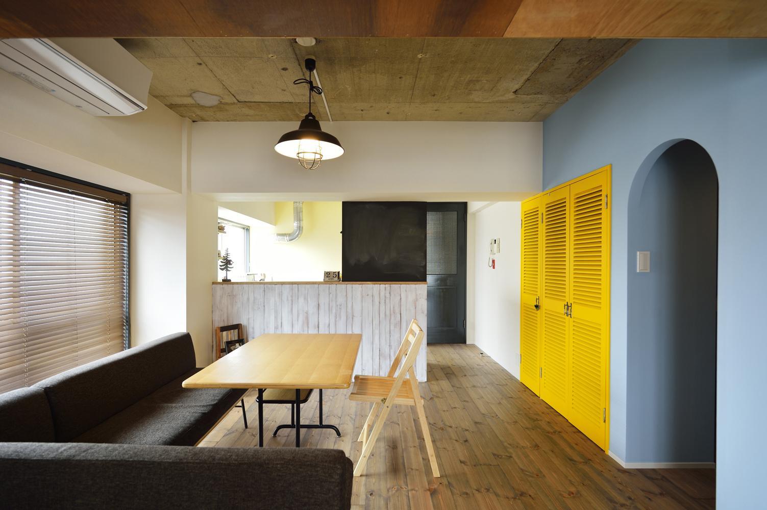 K邸・ビンテージマンションを自分色にの部屋 ラフな雰囲気のダイニングスペース