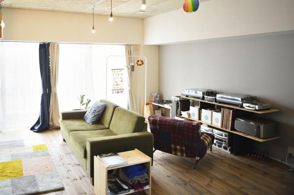K邸・ビンテージマンションを自分色に (リビング内の趣味空間)