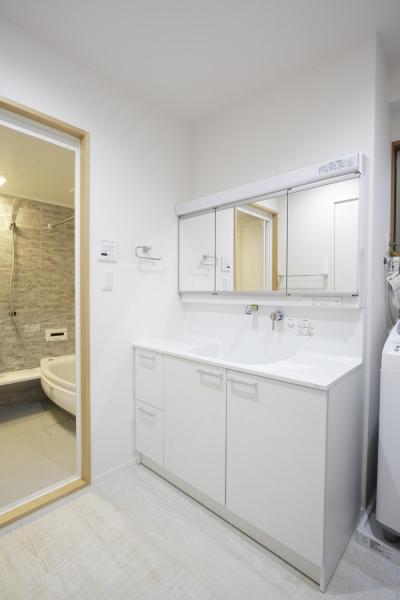 洗面・浴室 (S邸・二人のベビーのために、安心で快適な住まい)