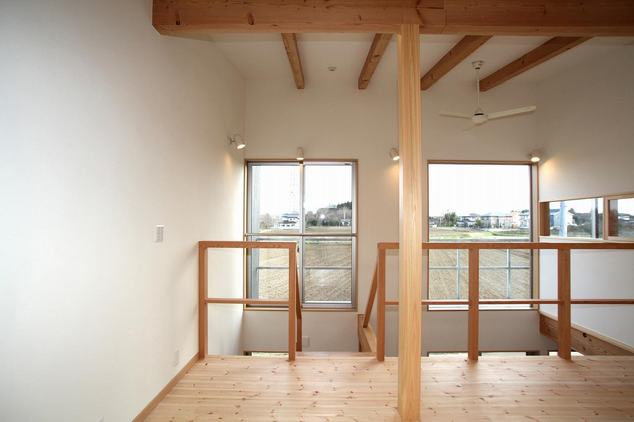 『水戸の家』家族をつなげる住まいの部屋 南面の大きな窓