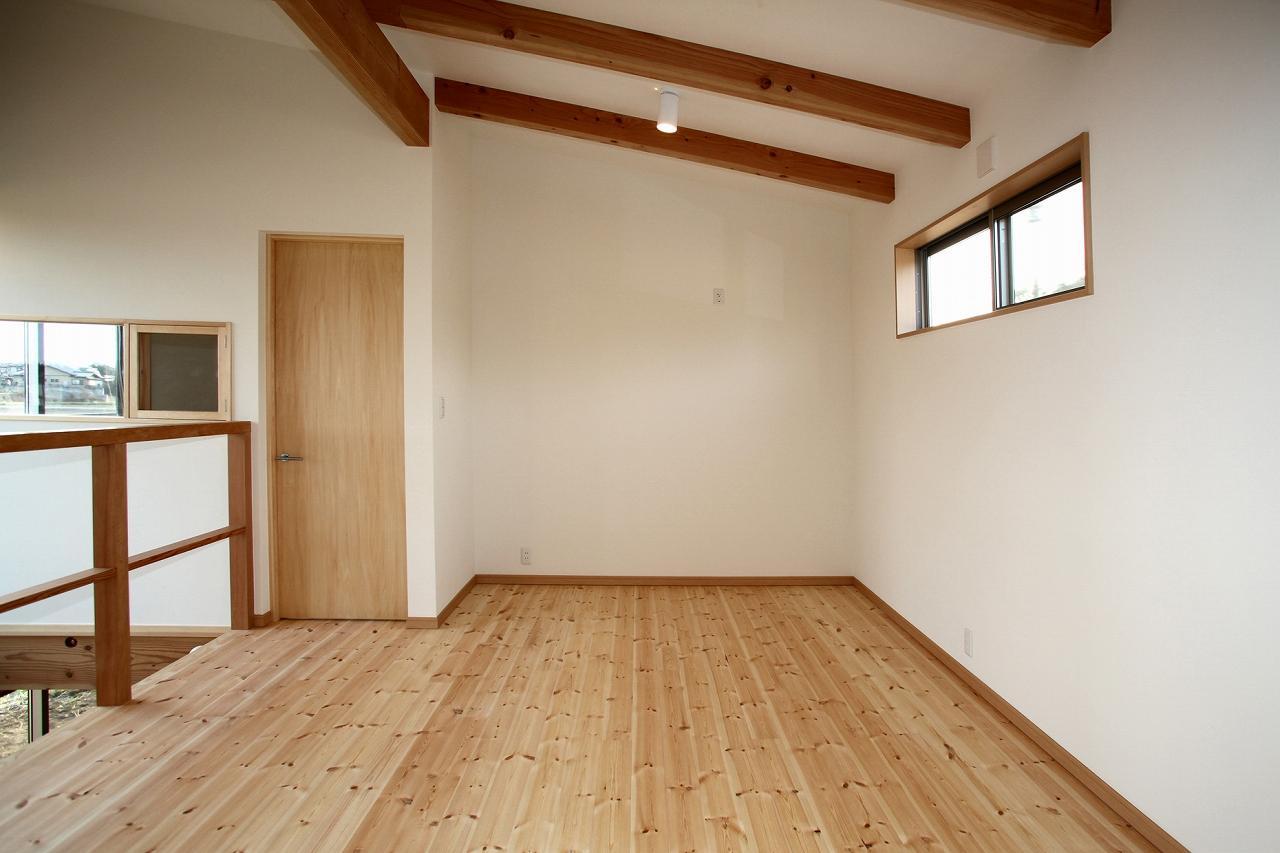 『水戸の家』家族をつなげる住まいの部屋 2階フリースペース
