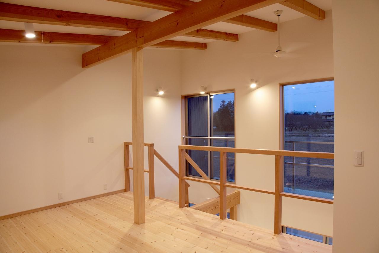 『水戸の家』家族をつなげる住まいの部屋 家族をつなげる吹き抜け空間