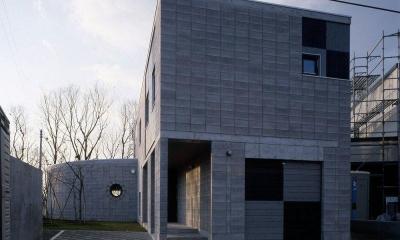 外断熱CB造の外観-2|『グレイの家』景観を取り込む住まい