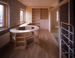 『グレイの家』景観を取り込む住まい (2階オープンスペース)
