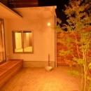 中庭-照明が演出する素敵な空間