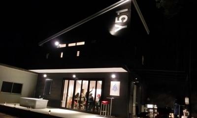 外観-夜のライトアップ|『安芸津の家』島のリゾートハウス