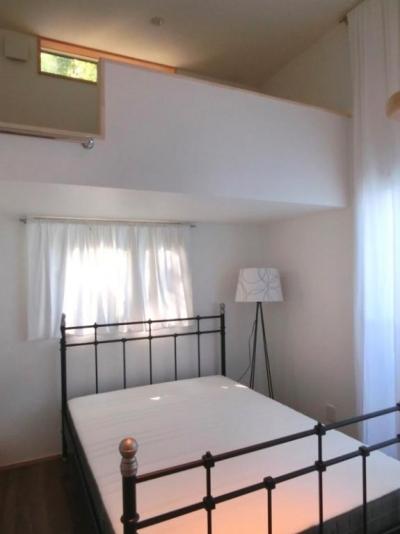 ロフト付きゲストルーム-2 (『安芸津の家』島のリゾートハウス)