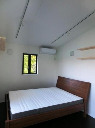 ゲストルーム (『安芸津の家』島のリゾートハウス)