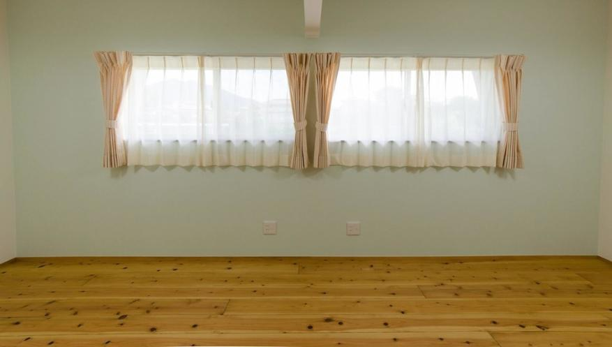 『八本松の家』落ち着きと開放感を併せもつ家の写真 将来は2つに分けられる子供部屋