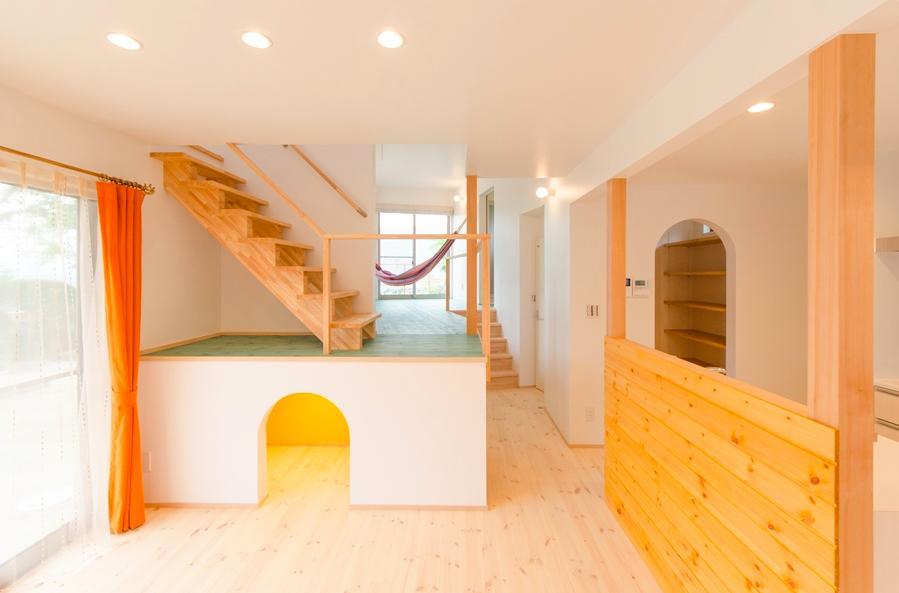 セカンドリビングのある楽しい空間 (『志和堀の家』スキップフロアのある家)